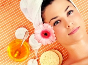natural-benefits-honey-for-skin-300x222